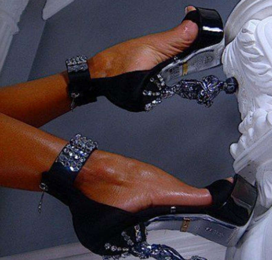 Jelena Karleusa Feet
