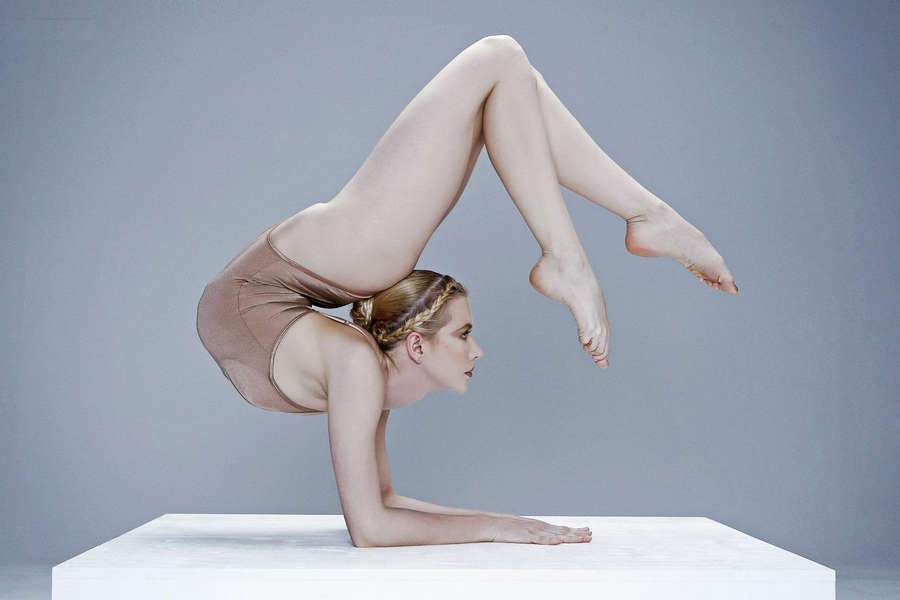 Голые гимнастки гибкие женщины — photo 7