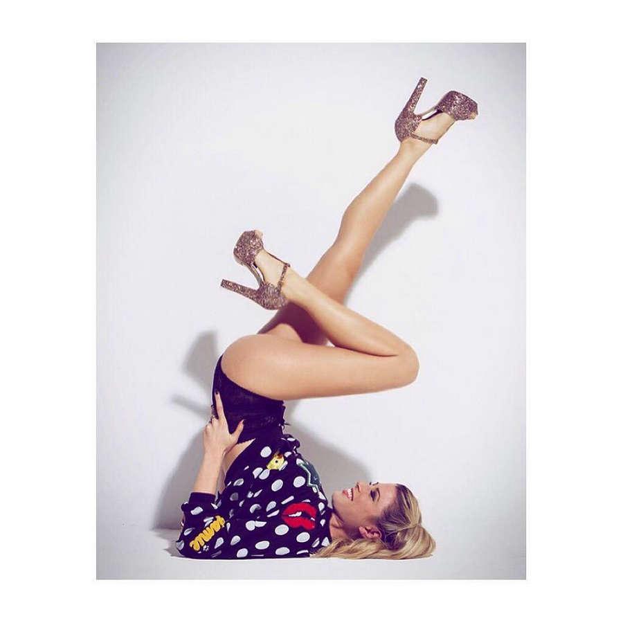Elisa Della Valentina Feet