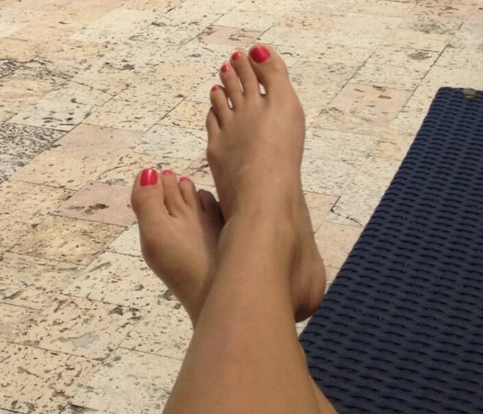 Elizabeth Loaiza Junca Feet