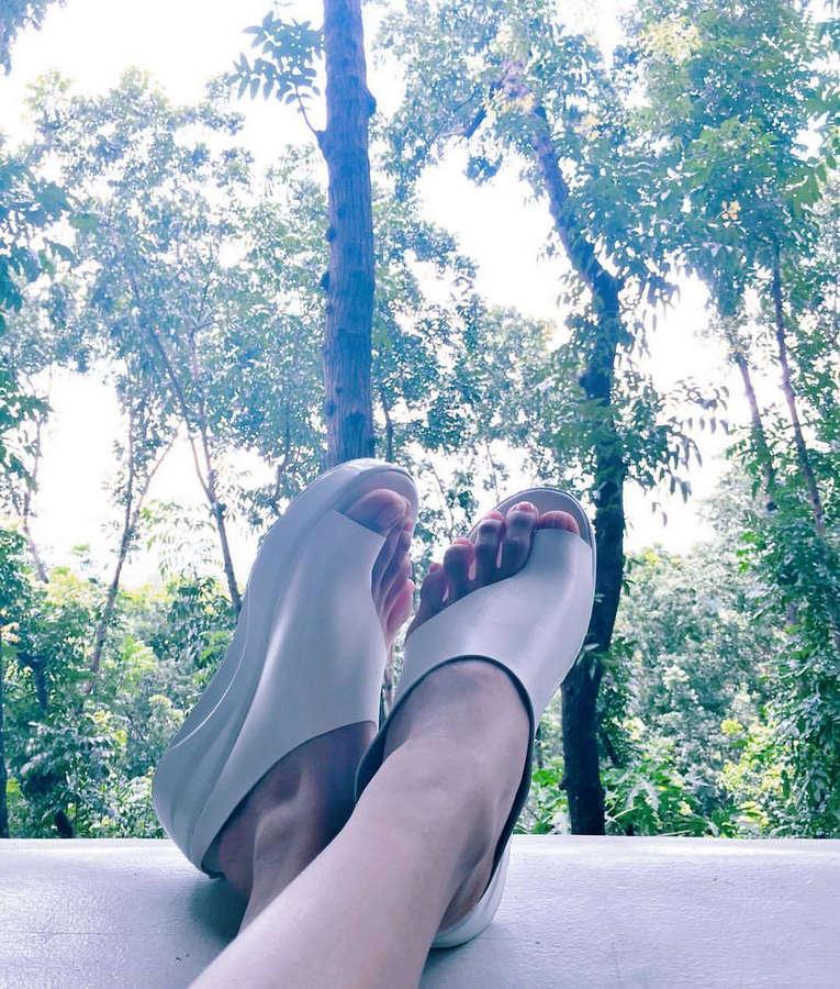 Sanya Lopez Feet