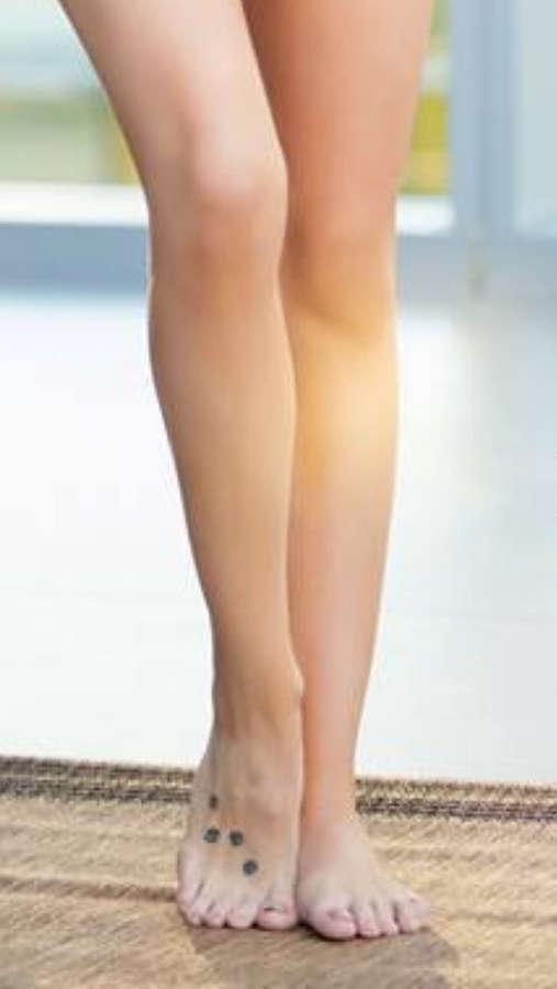 Stephanie Ann Cook Feet