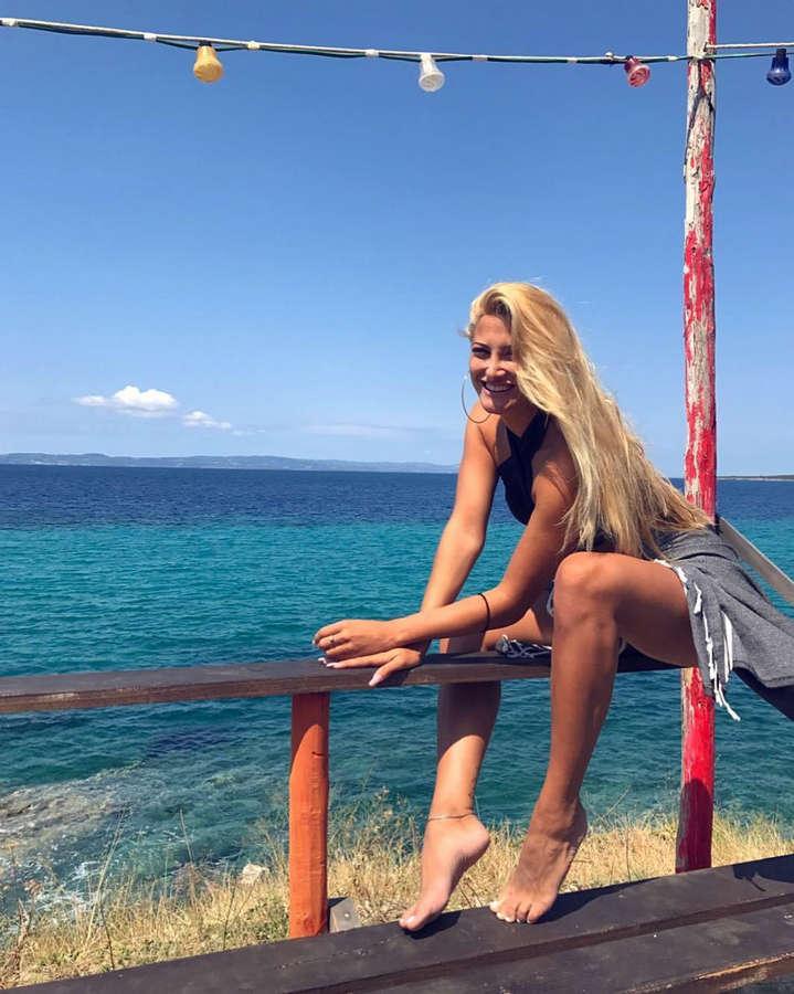 Ioanna Touni Feet