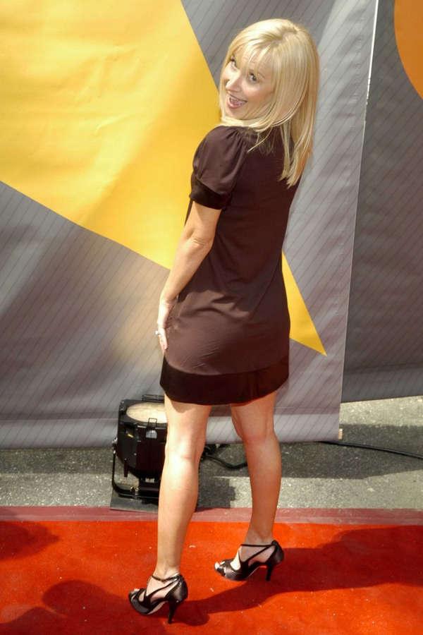 Angela Kinsey Feet