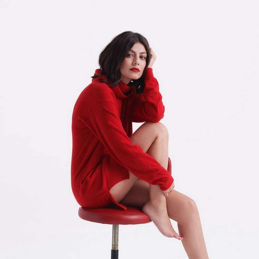 Alessandra Mastronardi Feet