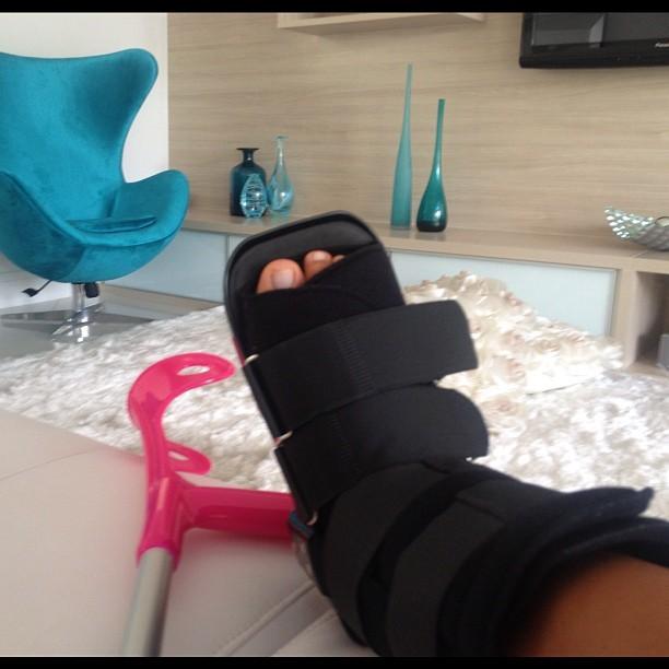 Mayra Cardi Feet