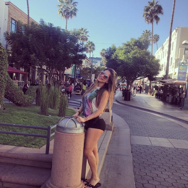 Vanessa Jeri Feet