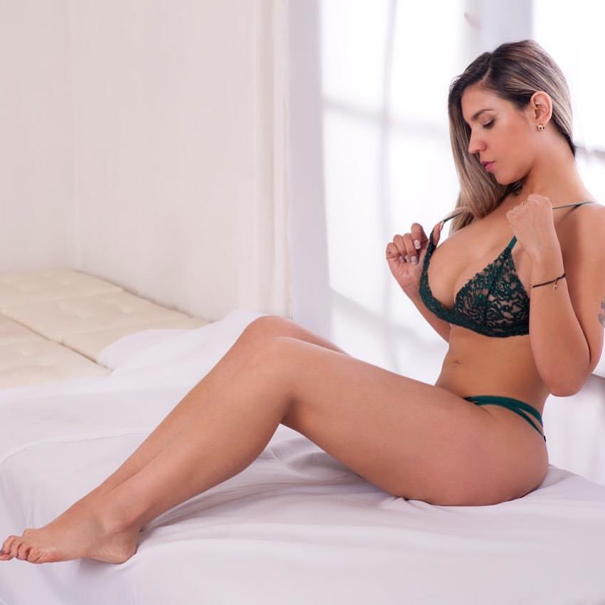 Alejandra Diaz Feet