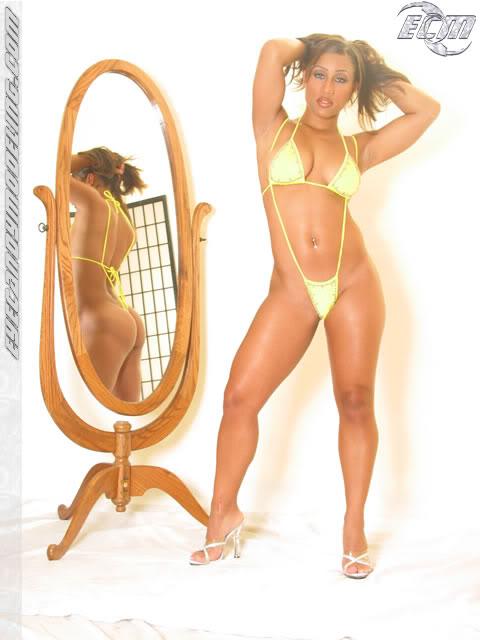 Nicole Alexander Feet