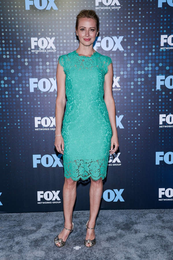 Amy Acker Feet (37 photos) - celebrity-feet.com