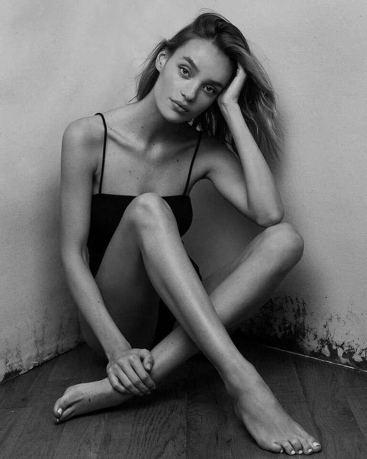 Melissa Cuc Feet