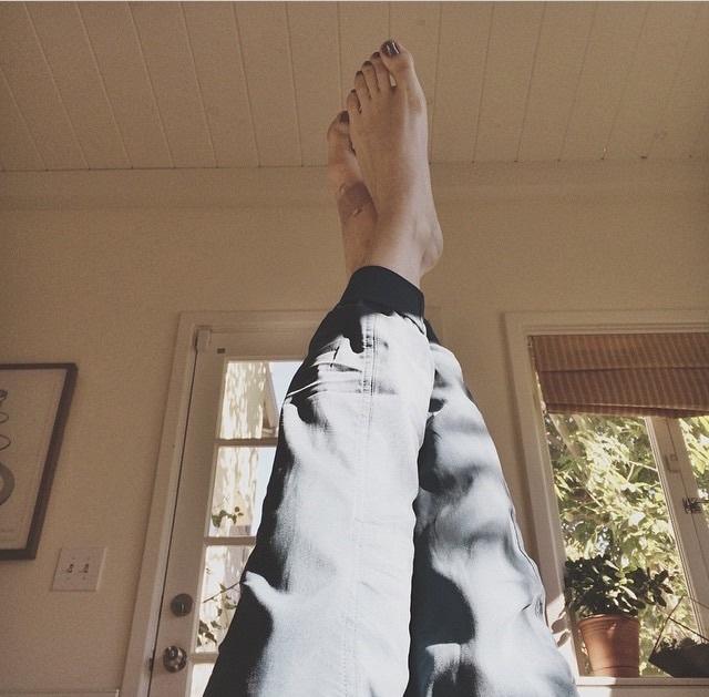 Alison Sudol Feet