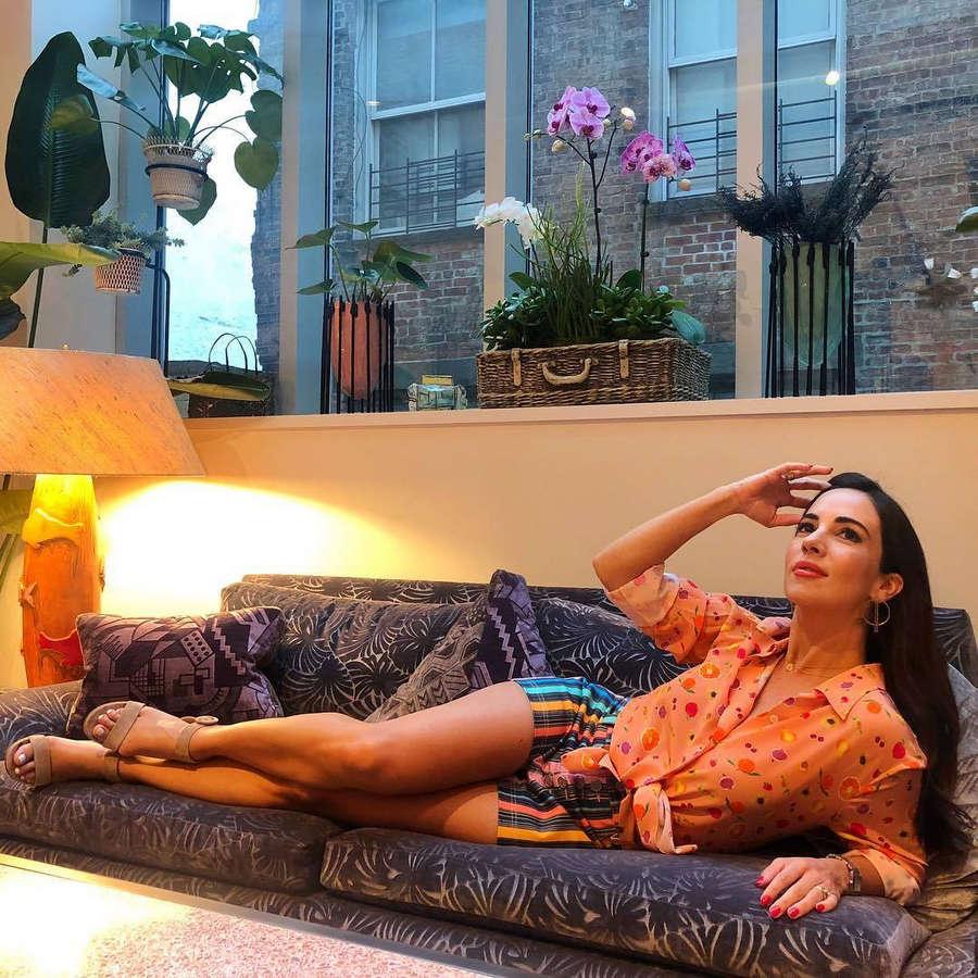 Mariana Atencio Feet
