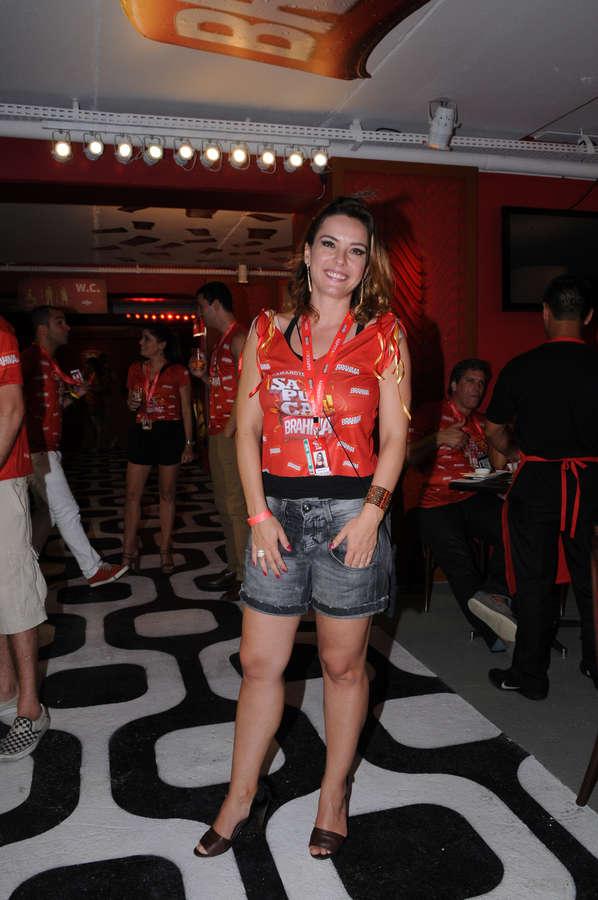 Regiane Alves Feet