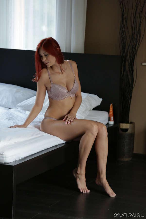Kate Gold Feet