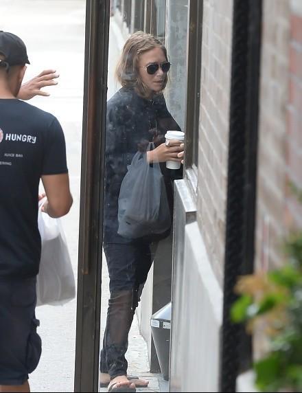 Mary Kate Olsen Feet