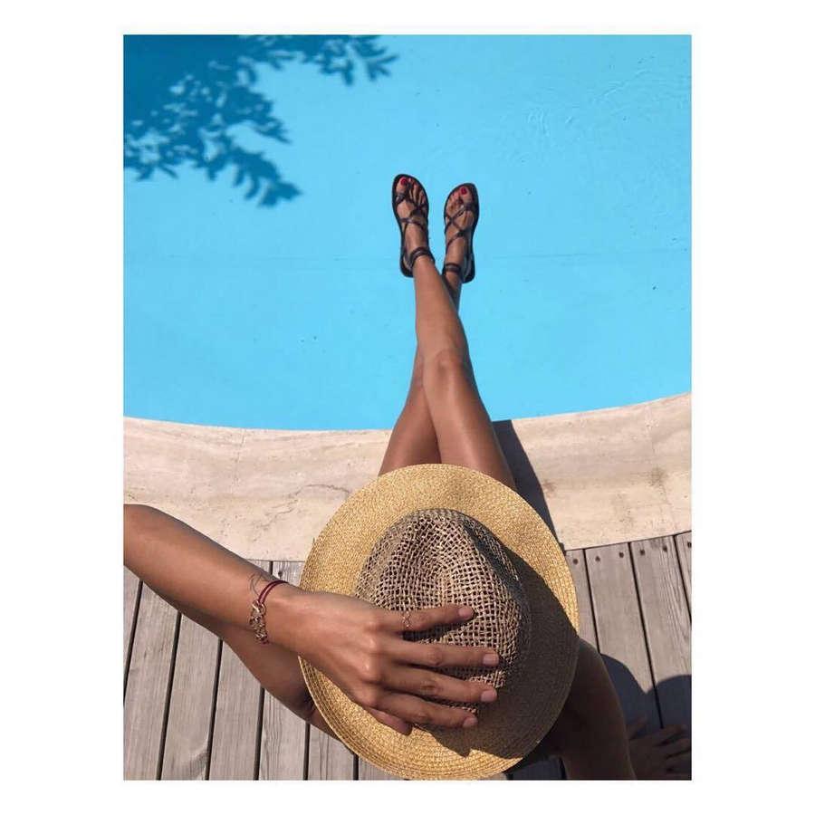 Arzum Onan Feet