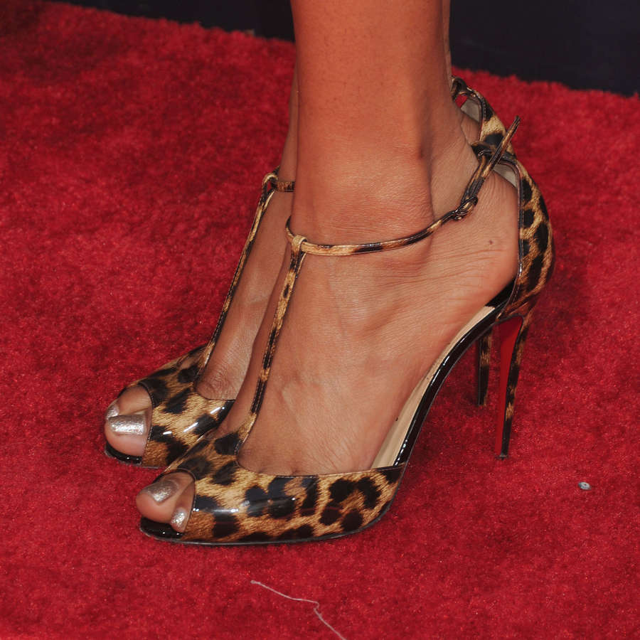 Jennia Fredrique Feet