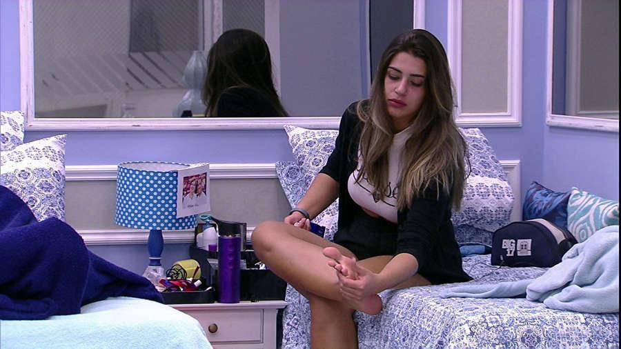 Vivian Amorim Feet