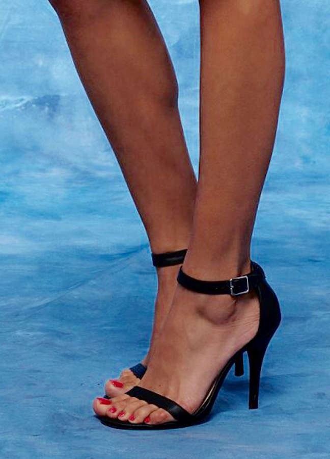 Lace Morris Feet