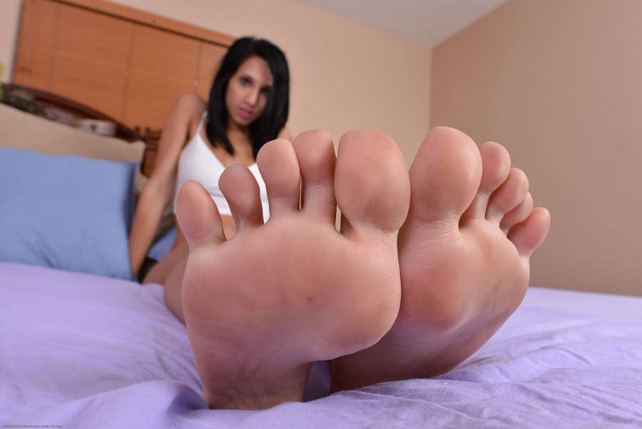 Mia Hurley Feet