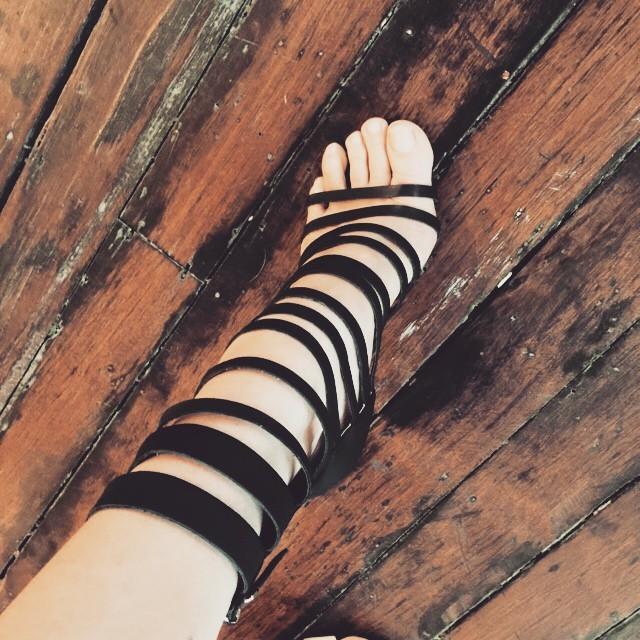 Tara Moss Feet
