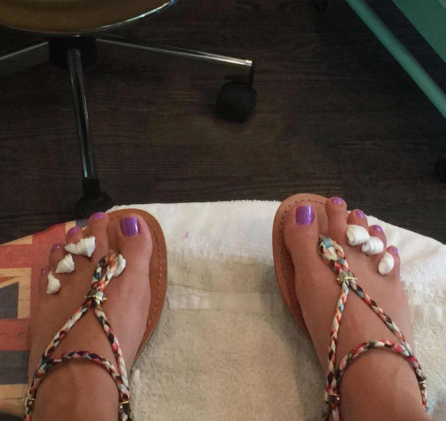 Dayana Mendoza Feet