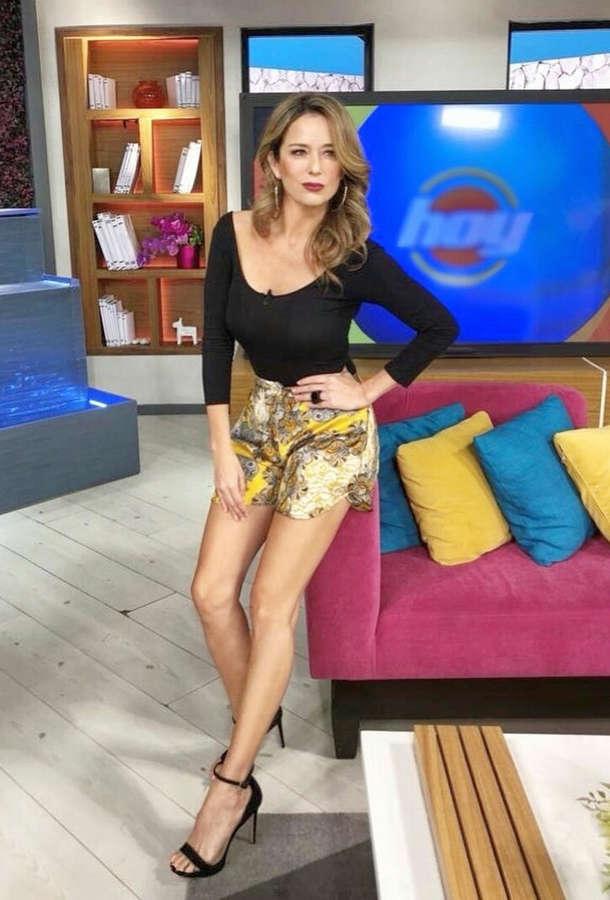 Karla Gomez Feet