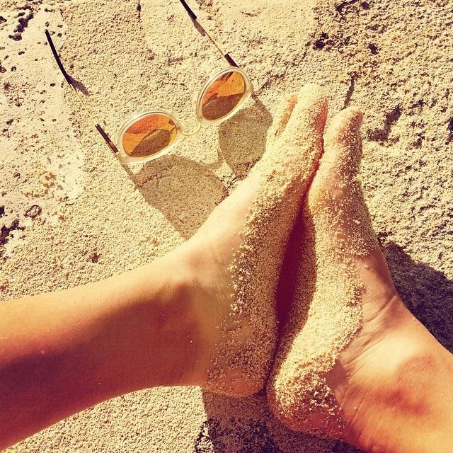 Alize Lim Feet