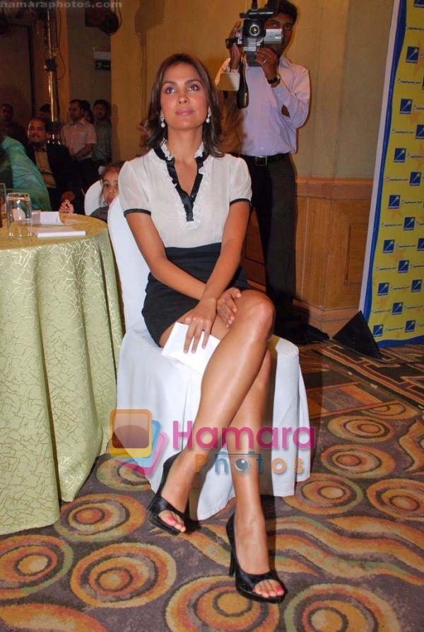 Lara Dutta Feet
