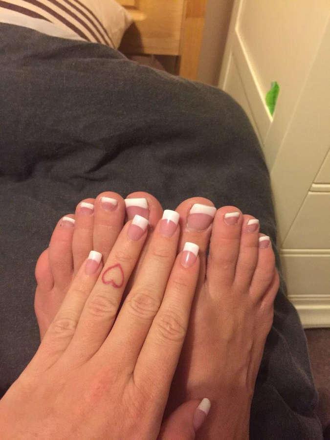 Kerry Louise Feet
