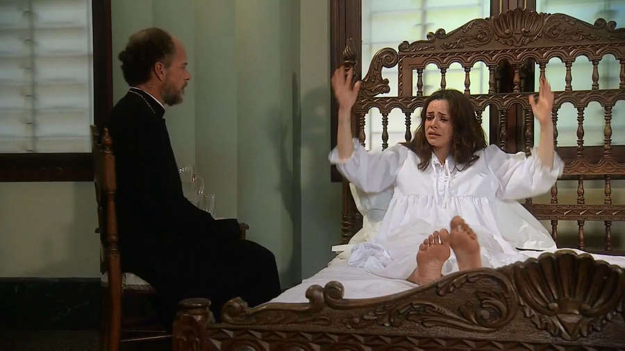 Flora Martinez Feet