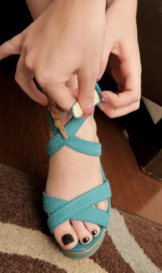 Zoey Nixon Feet