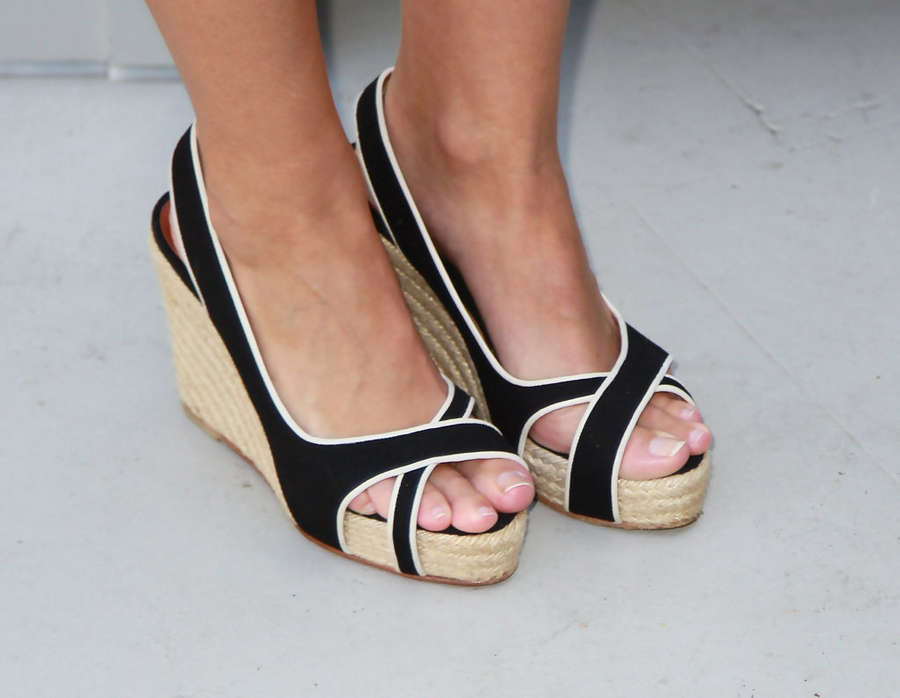 Marta Etura Feet