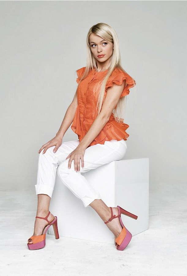 Anna Khilkevich Feet