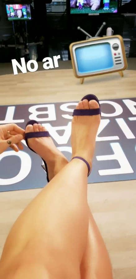 Livia Andrade Feet