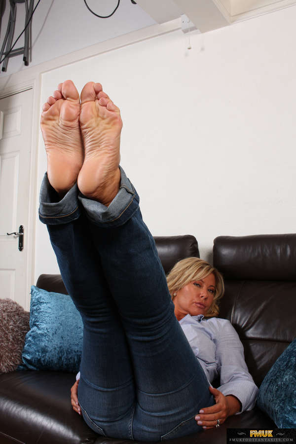 Tracey Coleman Feet