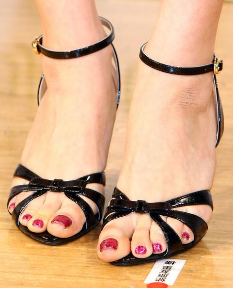 Yuri Ebihara Feet