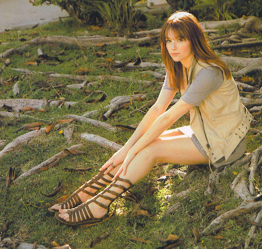 Haley Bennett Feet