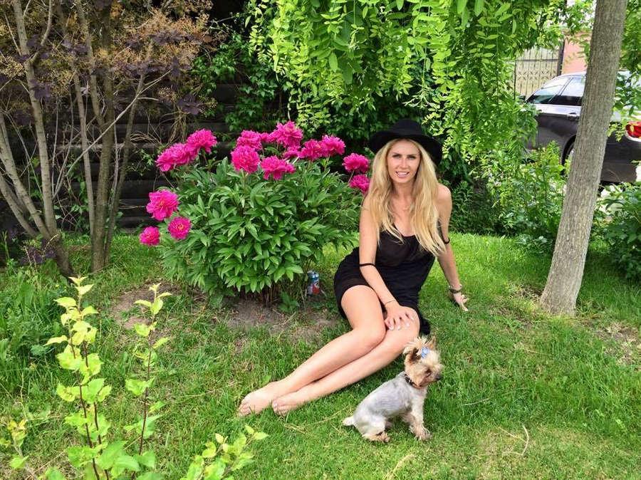 Andreea Banica Feet