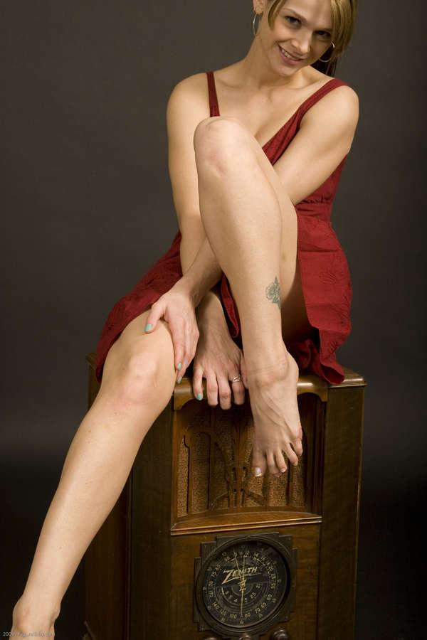 Noname Jane Feet