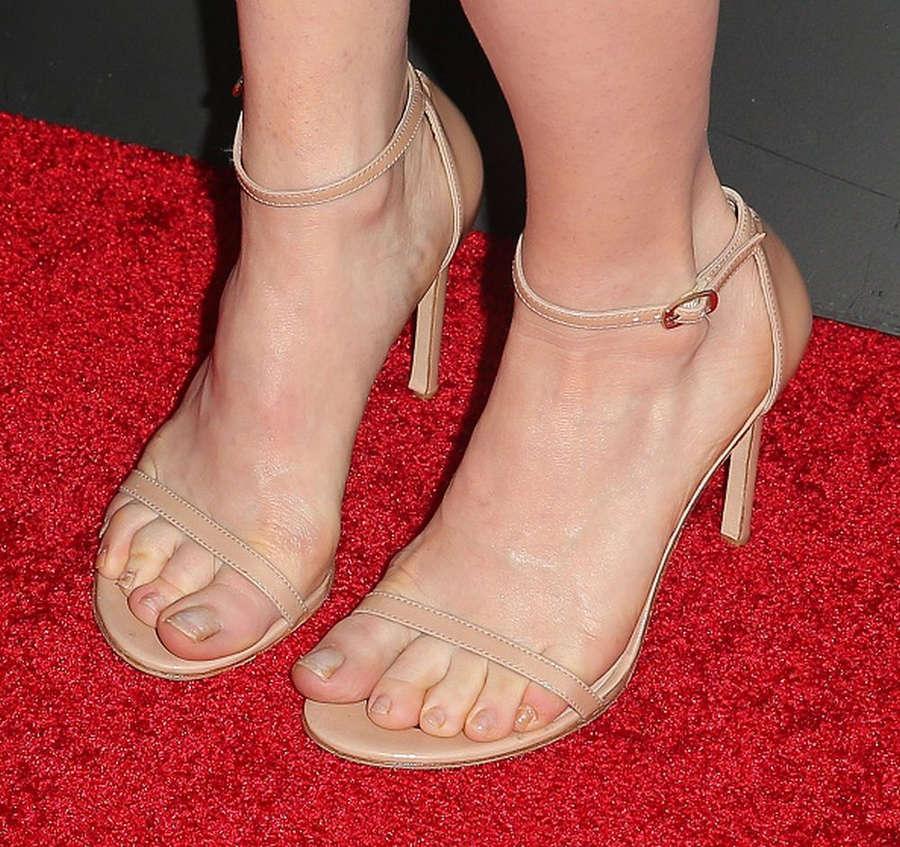 Alice Wetterlund Feet