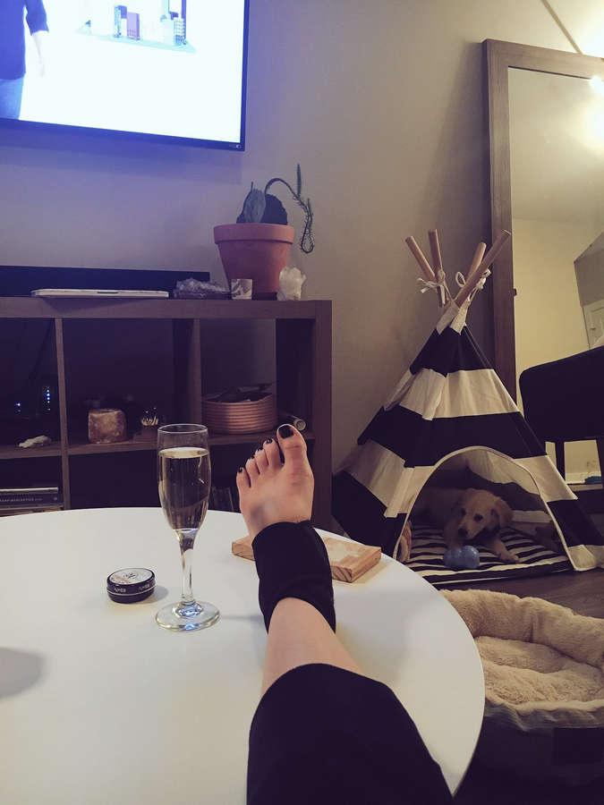 Mindy White Feet