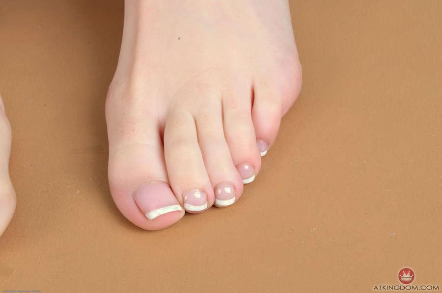 Alaina Dawson Feet