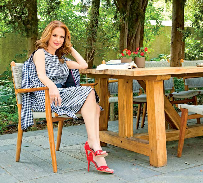 Peggy Stathakopoulou Feet