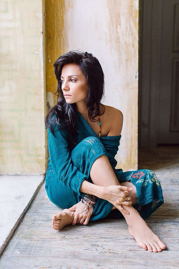 https://celebrity-feet.com/wp-content/uploads/cdn4046/svetlana-svetikova-feet-6-photos-001.jpg