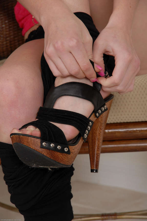 Kiera Winters Feet