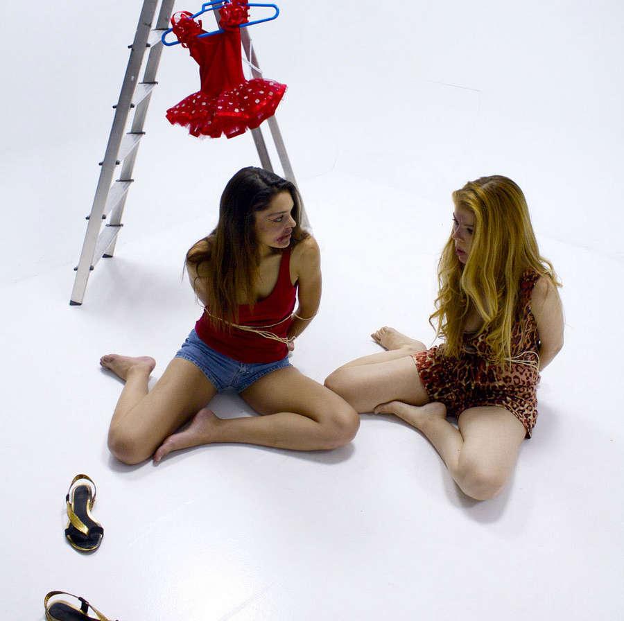 Alba Messa Feet