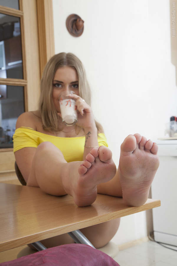 Daniella Margot Feet