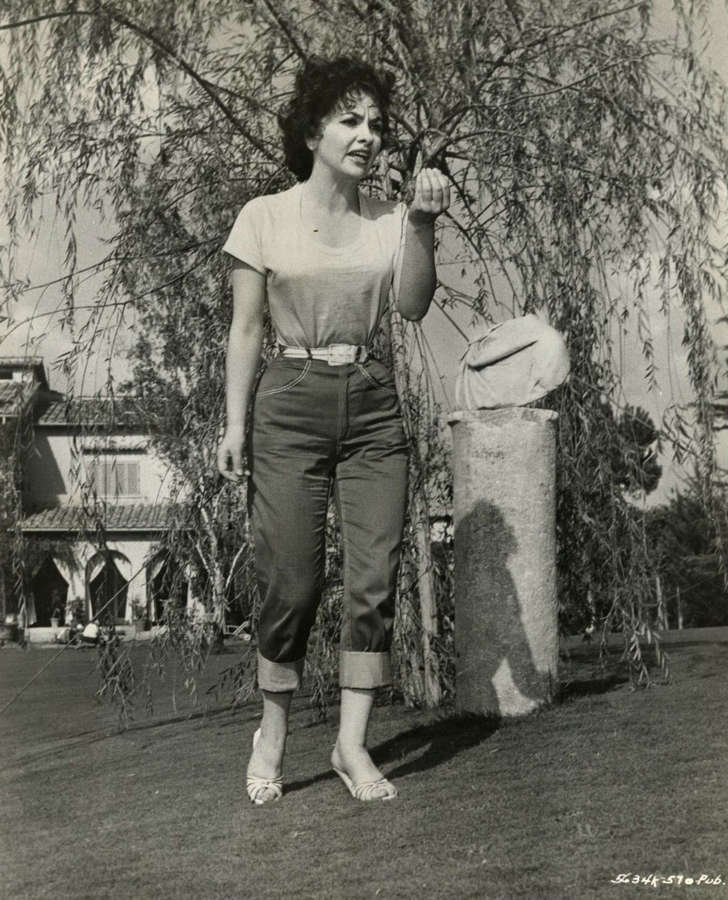 Gina Lollobrigida Feet